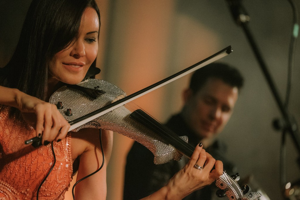 FUSE violin band live liverpool linzi stoppard ben lee electric violinists