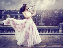 Linzi Stoppard Launches FUSE Violin Band New Single